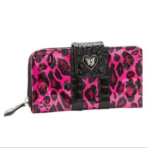🟢 Loungefly Pink Skull Print Wallet